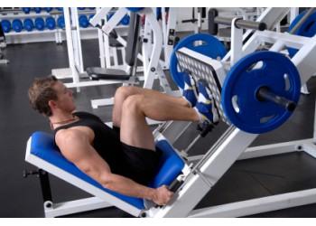 Упражнения с гантелями на ноги