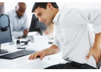 Упражнения для позвоночника на рабочем месте