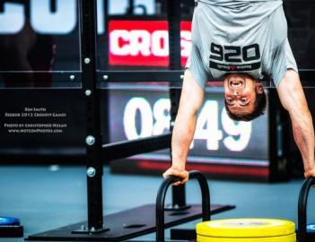 Это одно из самых тяжелых упражнений кроссфит-программы для начинающих.  Когда вы впервые.