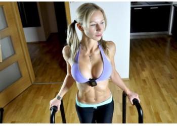 Фитнес-упражнения для форм женской груди